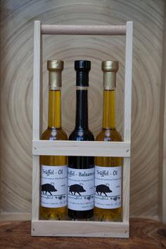 Zwei verschiedene Trüffel-Öle und ein Trüffel-Balsamico