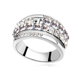 VALENTINA - Fingerring mit Kristallen