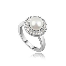ELA - Perlenring mit Kristallen