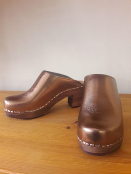 Kitty Clogs Klasisk Bronze mid heel