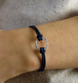 Bracelet rond martelé