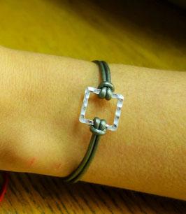 Bracelet carré martelé