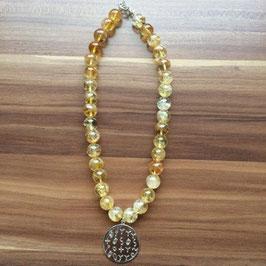 Halskette mit Matrix-Anhänger Erfolg