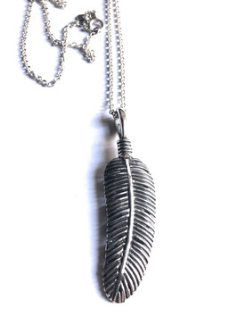 FEATHER NECKLACE IN SOLID SILVER 925