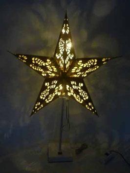 Großer goldener Stern mit Tischständer