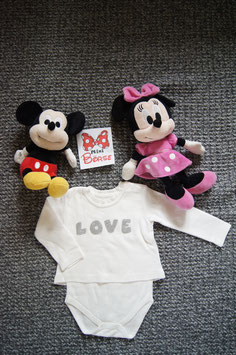 """Body Gr. 68/74,  weisser Body """"Love"""",  integriertes langarm T-Shirt,  zwei Schulterdruckknöpfe und zwei unten"""