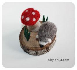 Hérisson , sculpture en laine feutrée