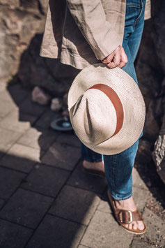 Virkat naturfärgat Panamahatt med terracotta hattband