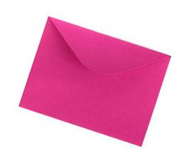 Darilna ovojnica dimenzije A4 v magenta barvi