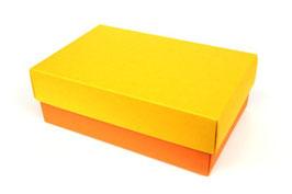 Darilna škatlica - velikost M v rumeno-oranžni barvi
