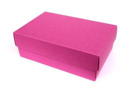 Darilna škatlica - velikost M v magenta barvi