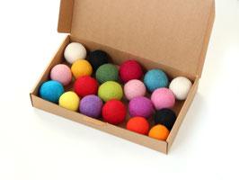 Set 20 velikih barvnih kroglic iz filca v škatlici