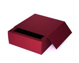 Darilna škatla z magnetnim pokrovom v bordo barvi