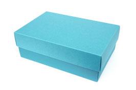Darilna škatlica - velikost M v svetlo modri barvi azure