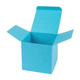 Darilna škatlica - Cube M - v svetlo modri barvi / azure