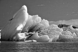 Eisberg in schwarz-weiß