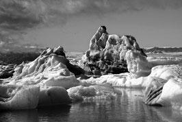 Eisberg 2 in schwarz-weiß