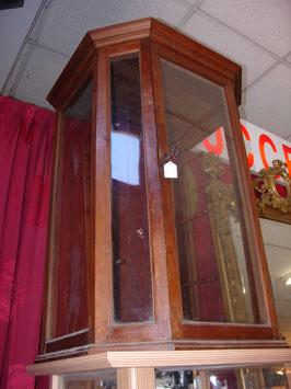 Vitrine bois et verre du XIX siècle porte statuaire religieuse