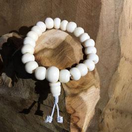 Mala bracelet en os blanc