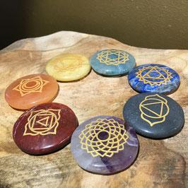 SET 7 Pierres dures rondes plates imprimées avec symboles chakra