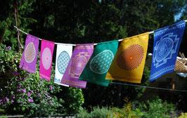 Drapeaux YANTRA 7 couleurs sur corde