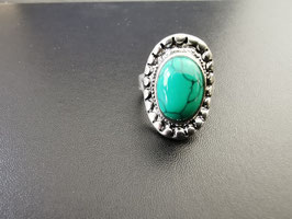 Metalen ring met groene steen - G5