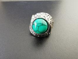 Metalen ring met groene steen - G3
