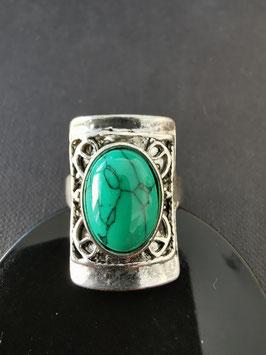 Metalen ring met groene steen - G7
