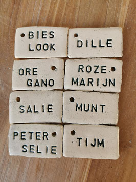 Kruidenlabel (letters petroleumgroen)