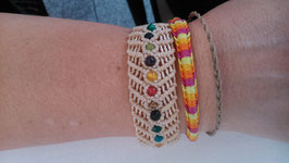 Makramee-Armband mit Schmucksteinperlen