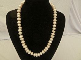 Halskette barocke Zuchtperlen