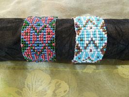 Rocailles-Webe-Armband - große Herzen