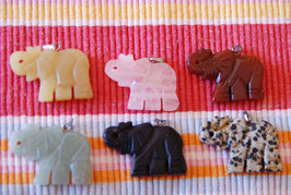 Elefant - Kettenanhänger Schmuckstein