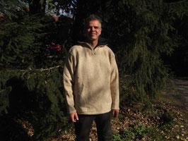 Walktroyer (gewalkt) mit Taschen, Kordelzug und zweifarbigem Kragen(innen anthrazit) Oder ganz in anthrazit mit Kragen innen aus hellem Fuchsschafgarn