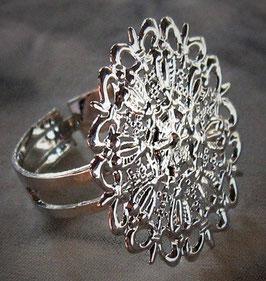 Versilberter Ring Mandala