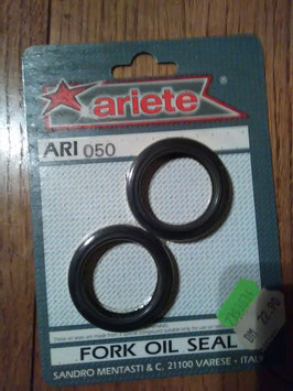 Ari 050 - Simmerringe - Maße: 37x49x8/9 mm