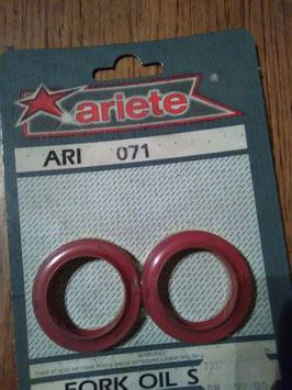 Ari 071 - Simmerringe - Maße: 33x45x8/10,5 mm
