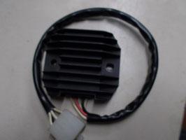 Yamaha FZS 600 Fazer - Lichtmaschinen- , Spannungsregler