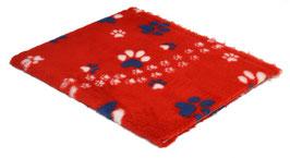 Rot mit querlaufenden weissen Pfoten und grossen weiss-blauen und blauen Pfoten