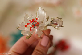 "2x Haarnadeln ""Little Roses"", perlweiß mit Knospen"