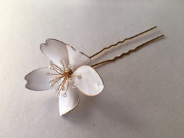 CHERRY BLOSSOM - WHITE & GOLD - Hairpins