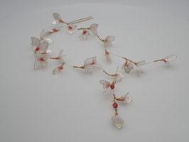 "Haarnadel ""Little Butterflies"", perlweiß mit roten Akzenten"