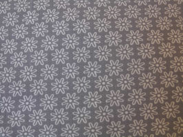 Blumenmotiv in Grau