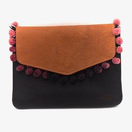 Changing Red - le flâneur custom bag mit Wechselklappe /schwarzes Leder