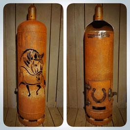Feuertonne - Dressurpferde mit Hufeisen inkl. Ascheklappe