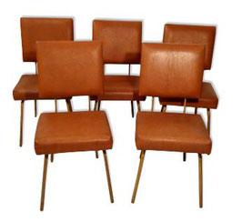 Lot de 5 chaises années 50 skaï et piétement laiton