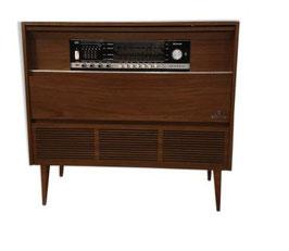 Meuble radio Grundig années 60 pieds compas