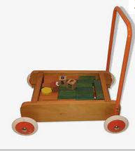 Jeu éducatif cubes bois sur charriot à roues