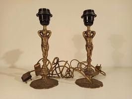Lot de deux pieds de lampe anciens vintage en bronze doré chérubins