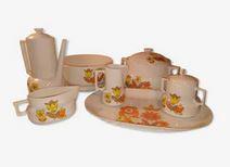 Service de table des années 70 porcelaine